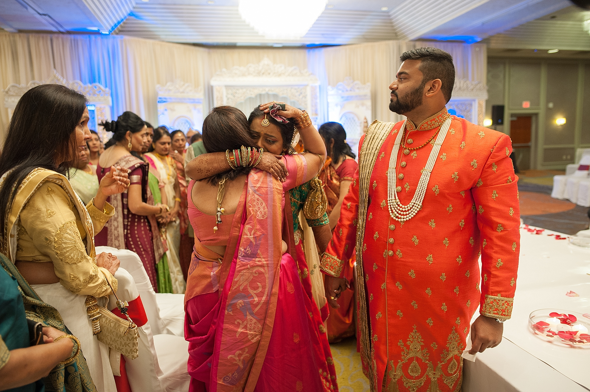Prexa_Harry_Columbus_Crown_Plaza_Indian_Wedding0076.jpg