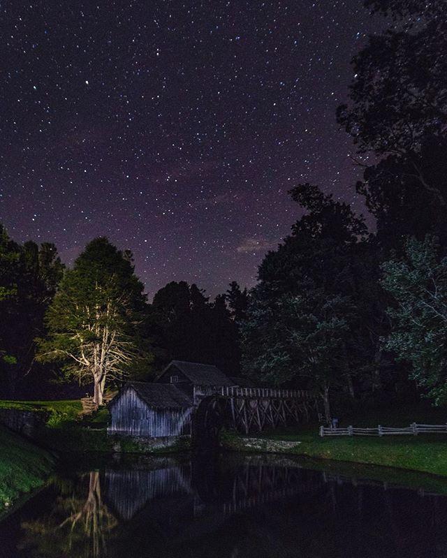 . . . . . . . . . #wildernessculture #natgeography #earthfocus #nakedplanet #ourplanetdaily #globeshotz #earthshotz #tentree #rei #blueridge #blueridgemountains #travel #naturephotography #ourlonelyplanet #travelgram  #longexposure_shots #astrophotography #longexposure  #nightphotography#night_excl #night_excl