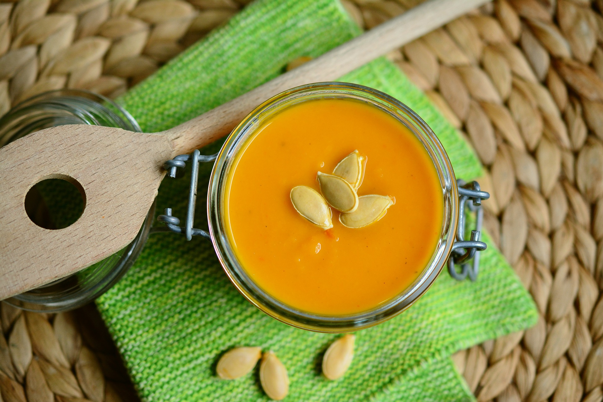 pumpkin-soup-2972858_1920.jpg
