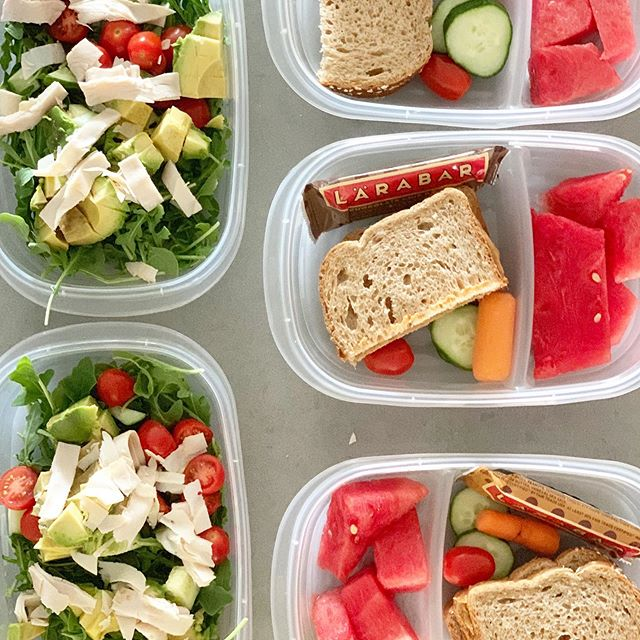 Beach lunch packed, ready to go, and awaiting a kid to accidentally kick sand all over it 🏝 🤦♀️. We are spending the week down at the Jersey shore, and I'm trying to keep lunch healthy. Sure, it means a packed and heavy cooler, but that's what my husband is for 💪. Any one else on vacation this week?