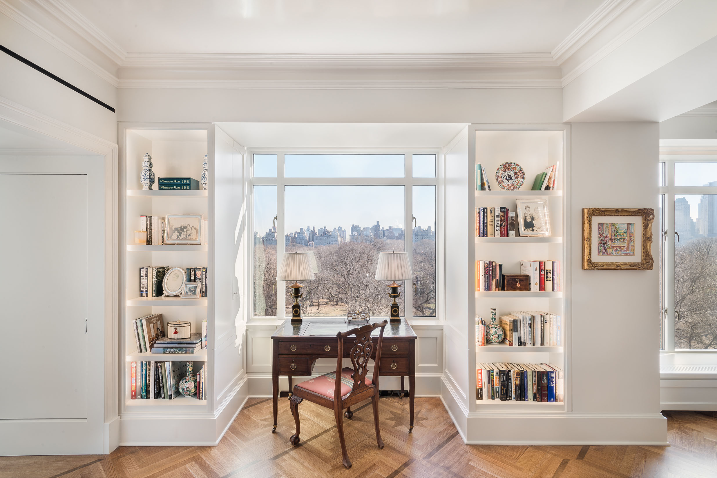 Location:  Central Park West, Manhattan  Type:  Apartment  Sq/Ft:  2,600   Details:  Level 5 Finish White Wall, Moulding, High Gloss Ceilings