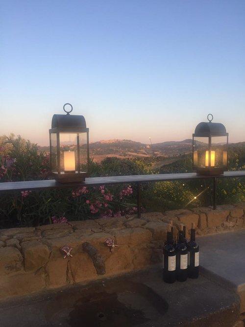 Contact Us italy+wine.jpg