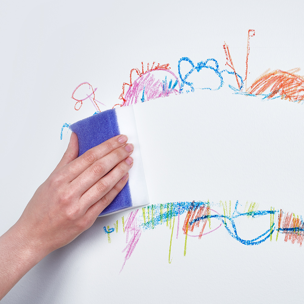 Brillo® Erase & Wipe™ cleaning wall