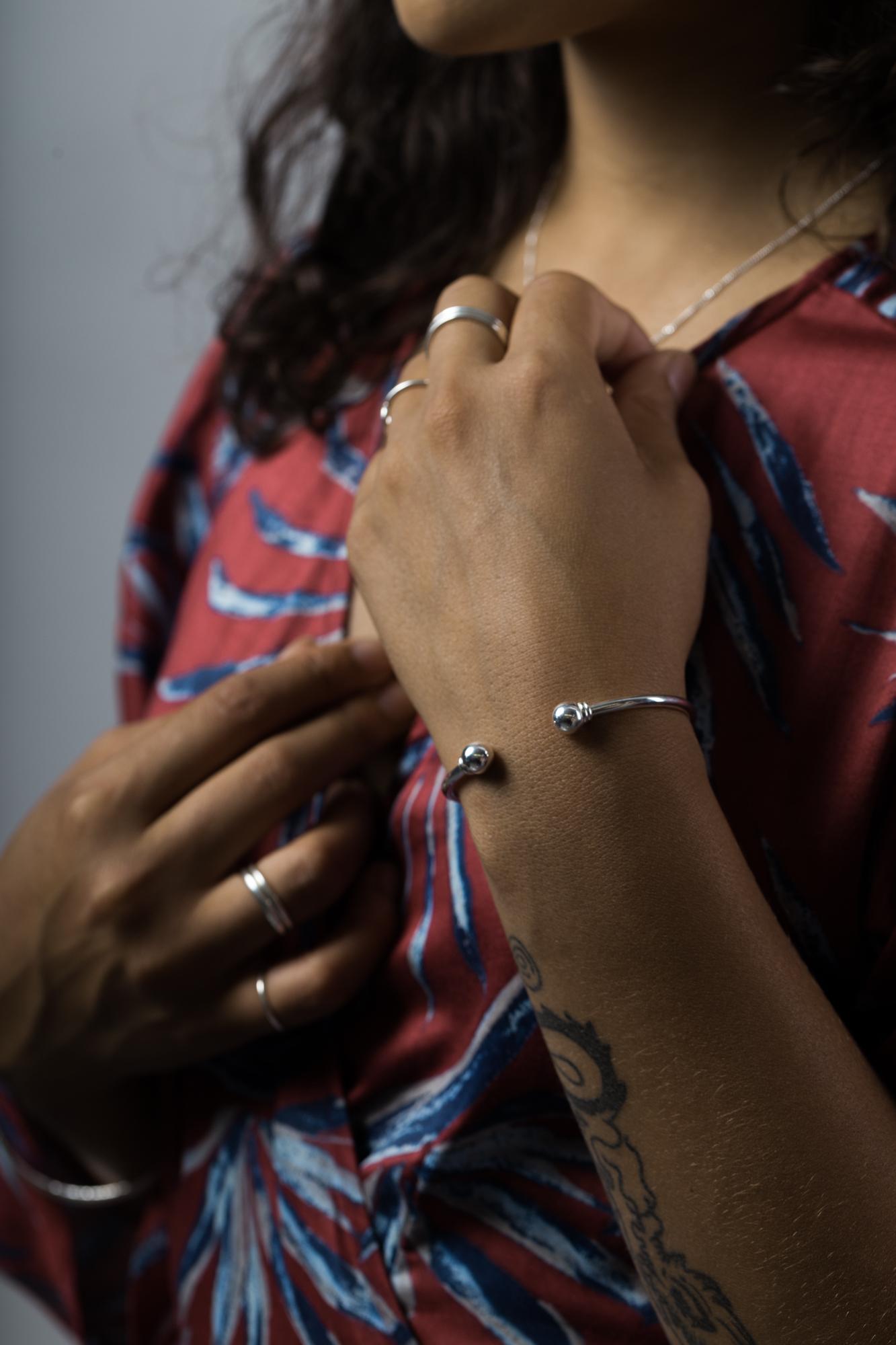 Bracelet boules produit femme.jpg