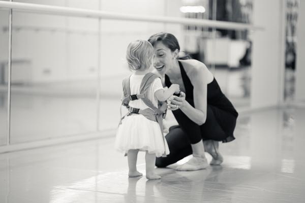 baby_wearing_ballet_oslo_norway-16.jpg
