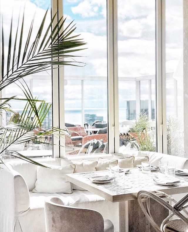 — How can you not enjoy lunch at @kost on a Tuesday? One of our favourite Toronto spots! Enjoy the city views while having lunch 🏙