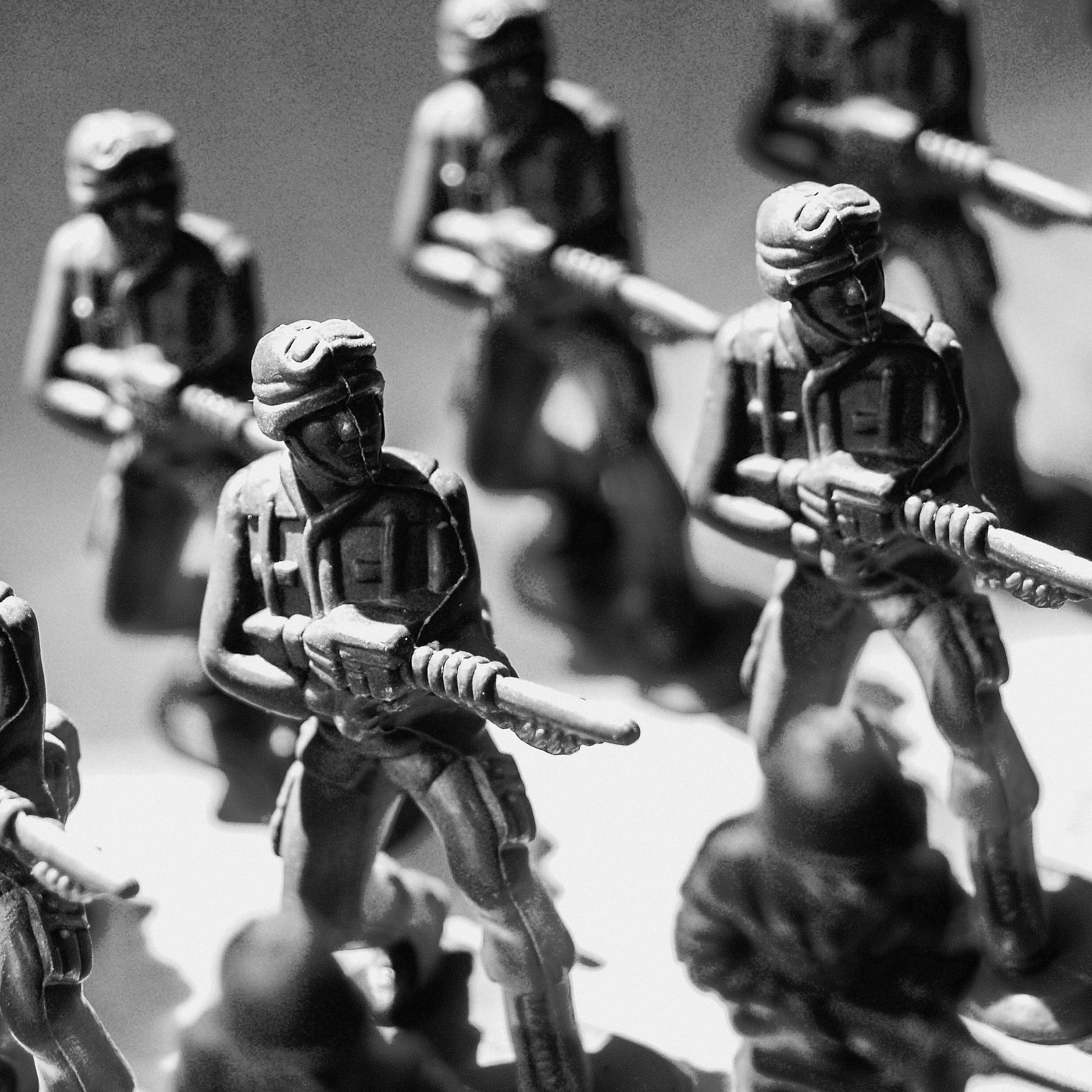 army-attack-figurines-1214270.jpg
