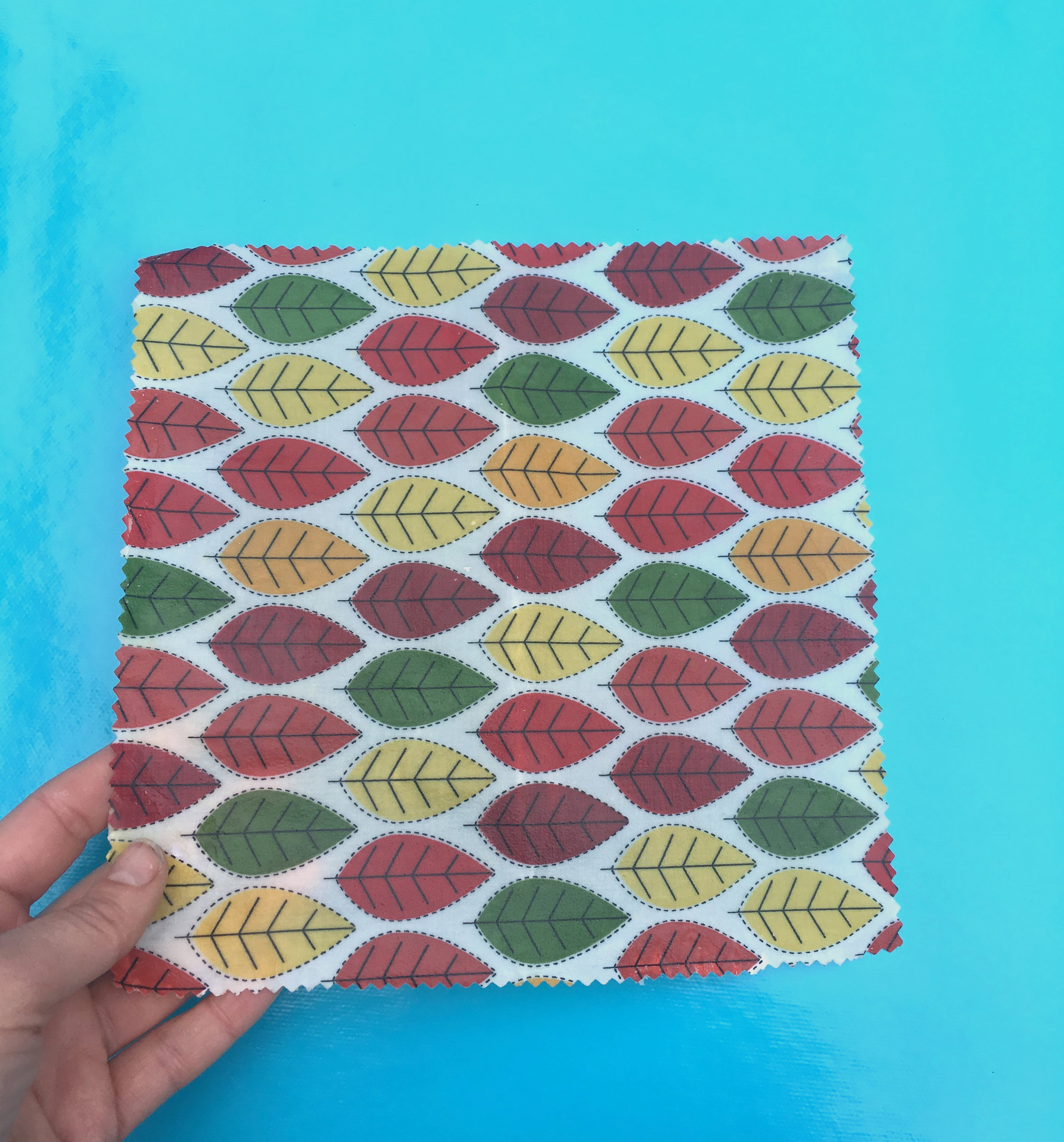 BEESWAX WRAP WORKSHOP - Wednesday 28th November @ Boom! Studios Bangor 6pm - 8pmBoom! Studios, 80 Main St, Bangor BT20 3AHDitch the plastic and learn how to make beautiful and environmentally friendly reusable bee wrap - made from 100% beeswax and 100% cotton the wrap can be used to keep food fresh as an alternative to plastic wrap or aluminium foil. Make a set of four colourful wraps to use at home and leave with the skills to make more.http://www.boomstudios.org.uk/