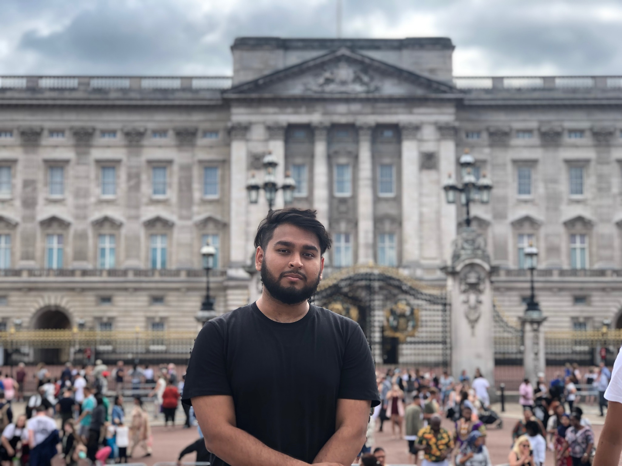 Ohidur Rahman - Hey all! Born and raised in NYC. I love to travel and learn. I'm originally from 6.2 so if you have any questions don't be afraid. IG: @ohidur