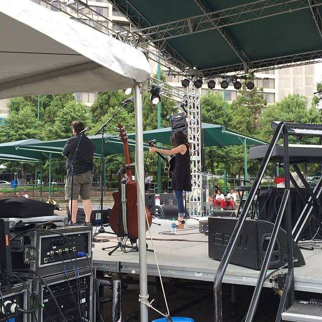 """2015 - SINGING """"BREAK THE CHAINS"""" AT CENTENNIAL OLYMPIC PARK"""