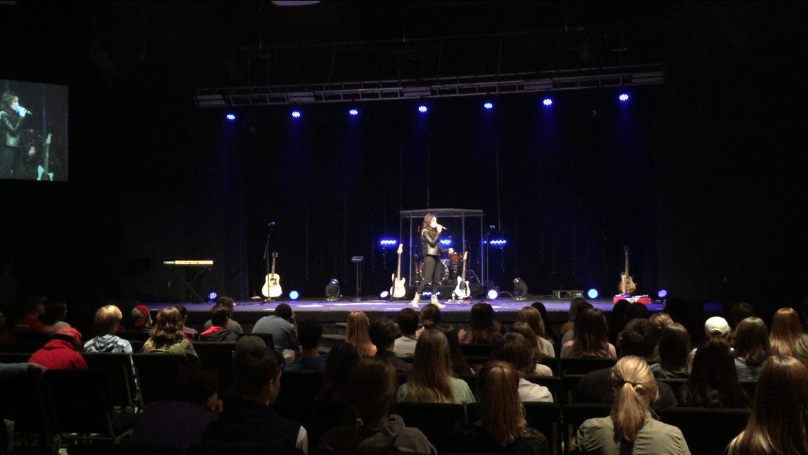 2015 - SPEAKING AT CROSSROADS CHURCH