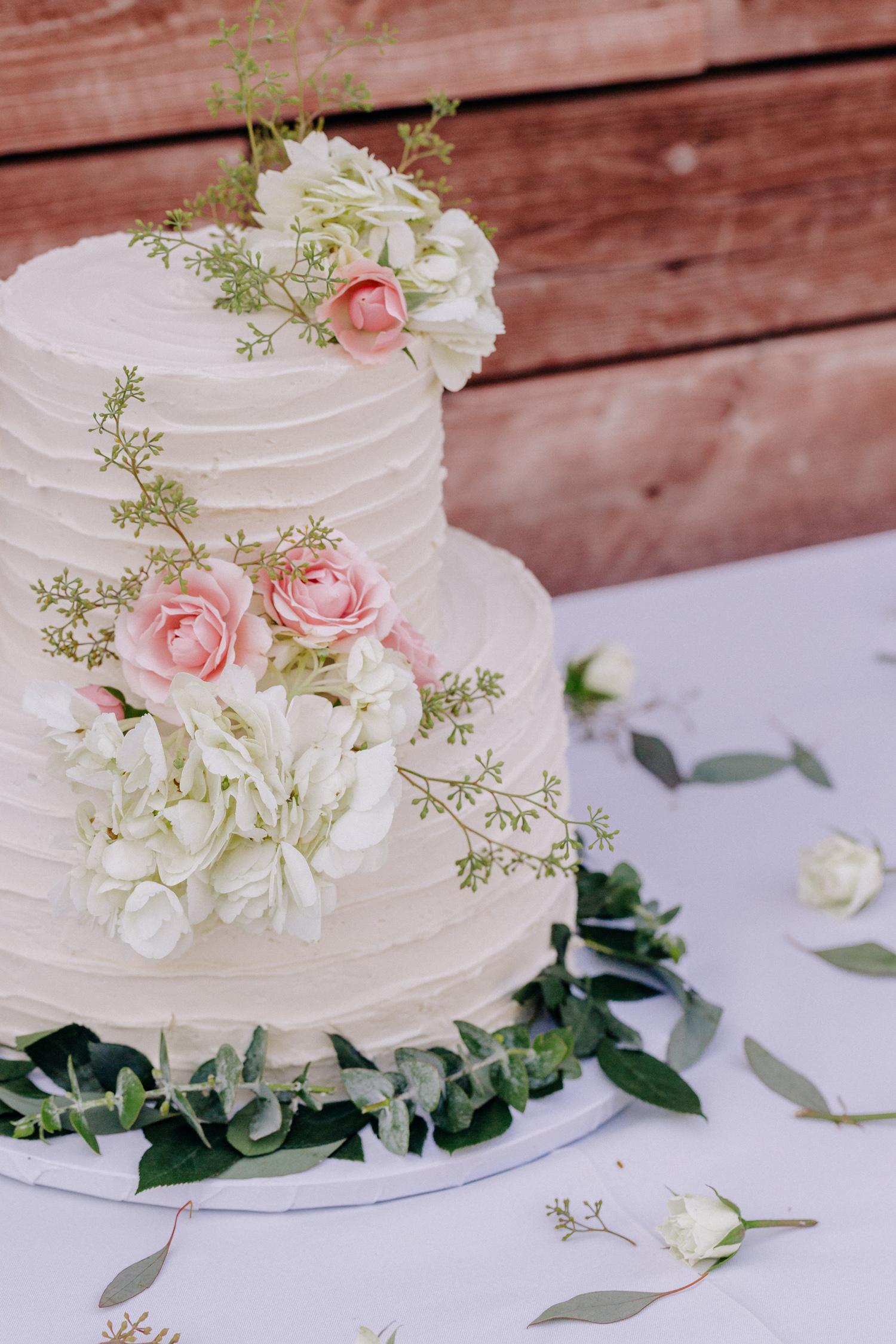 vegan-wedding-cake-los-angeles.jpg