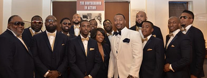The Groom with his tribe!