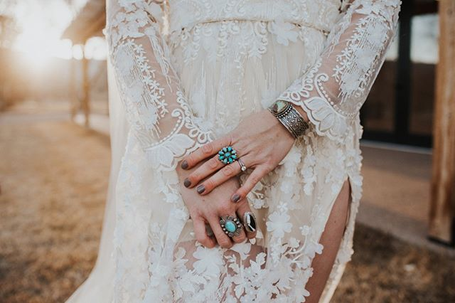 Weekend wedding get-up! Will forever be lovin' on this style from our styled shoot! ⠀⠀⠀⠀⠀⠀⠀⠀⠀ Coordinated by: @buckskinbride ⠀⠀⠀⠀⠀⠀⠀⠀⠀ Venue: @ristcanyoninn⠀⠀⠀⠀⠀⠀⠀⠀⠀ Wedding Dress: @livewirestyle⠀⠀⠀⠀⠀⠀⠀⠀⠀ Wild Rags & Twillys: @gitalonglildogie_wildrags for Buckskin Bride⠀⠀⠀⠀⠀⠀⠀⠀⠀ Hair/Makeup: @krystaklinzmann⠀⠀⠀⠀⠀⠀⠀⠀⠀ Cowboy Hats: @greeleyhatworks & @doubledranch⠀⠀⠀⠀⠀⠀⠀⠀⠀ Jewelry: @buffalomercantile⠀⠀⠀⠀⠀⠀⠀⠀⠀ Rug: @fairlightestatesales⠀⠀⠀⠀⠀⠀⠀⠀⠀ Floral Design: @wildposies⠀⠀⠀⠀⠀⠀⠀⠀⠀ Photography: @caitlinsteubenphoto ⠀⠀⠀⠀⠀⠀⠀⠀⠀ :⠀⠀⠀⠀⠀⠀⠀⠀⠀ :⠀⠀⠀⠀⠀⠀⠀⠀⠀ #westernwedding #buckskinbride #rusticwedding #countrywedding #ranchwedding #westernbride #cowboywedding #countryweddingblog #cowgirlwedding #ranchlife