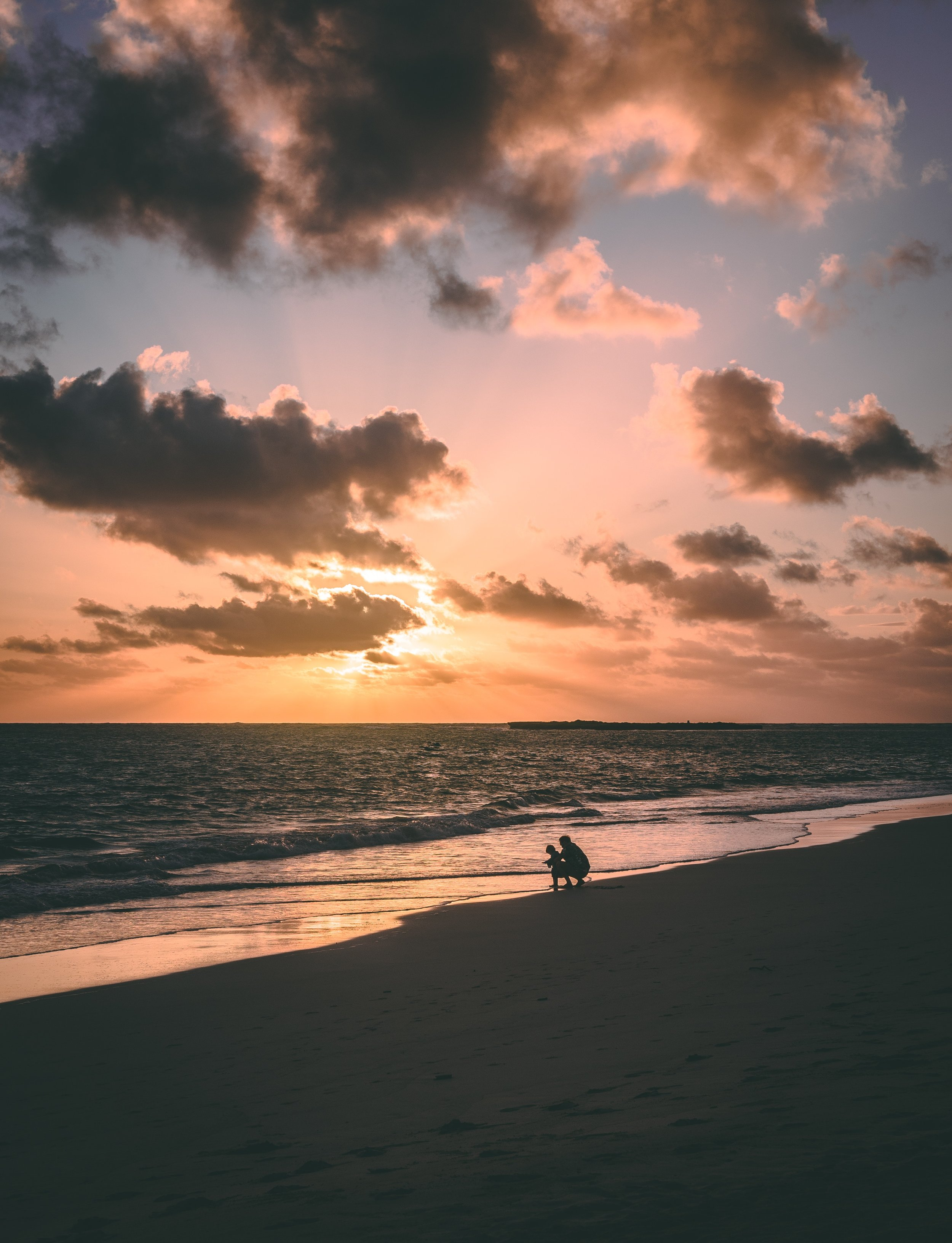 beach-child-dad-Pexels.jpg