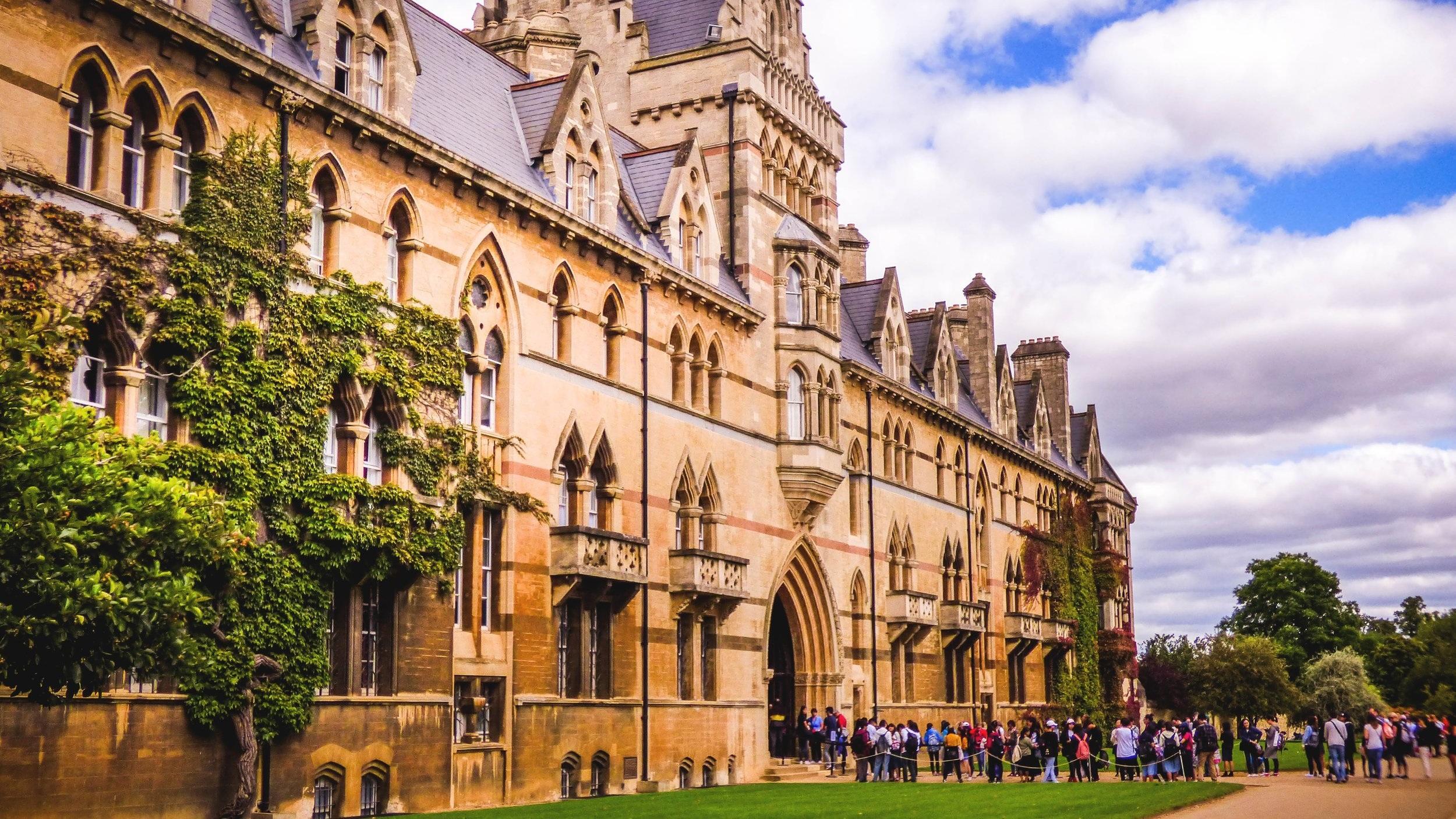 Oxford_Pexels-1130683.jpg