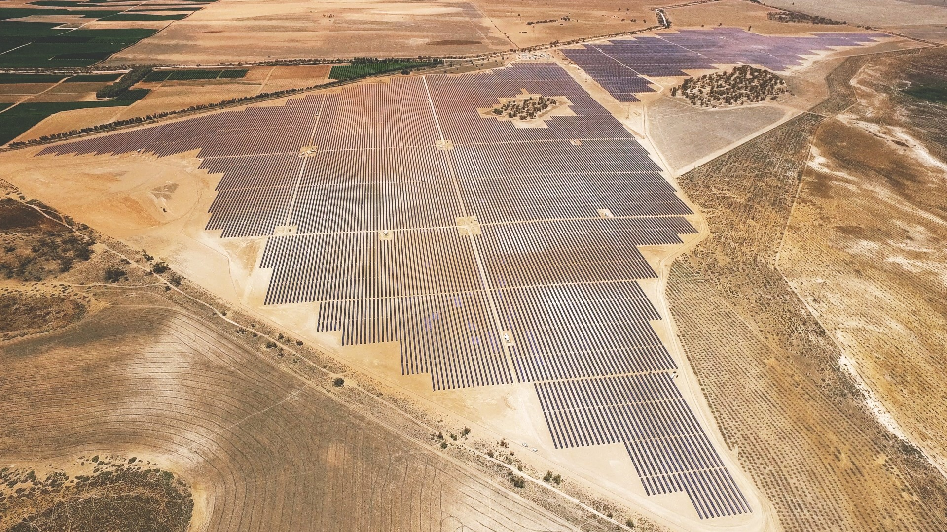 CUB has secured a power purchase agreement (PPA) with BayWa r.e. to supply renewable energy from Karadoc Solar Farm.  Photo credit: BayWa r.e.