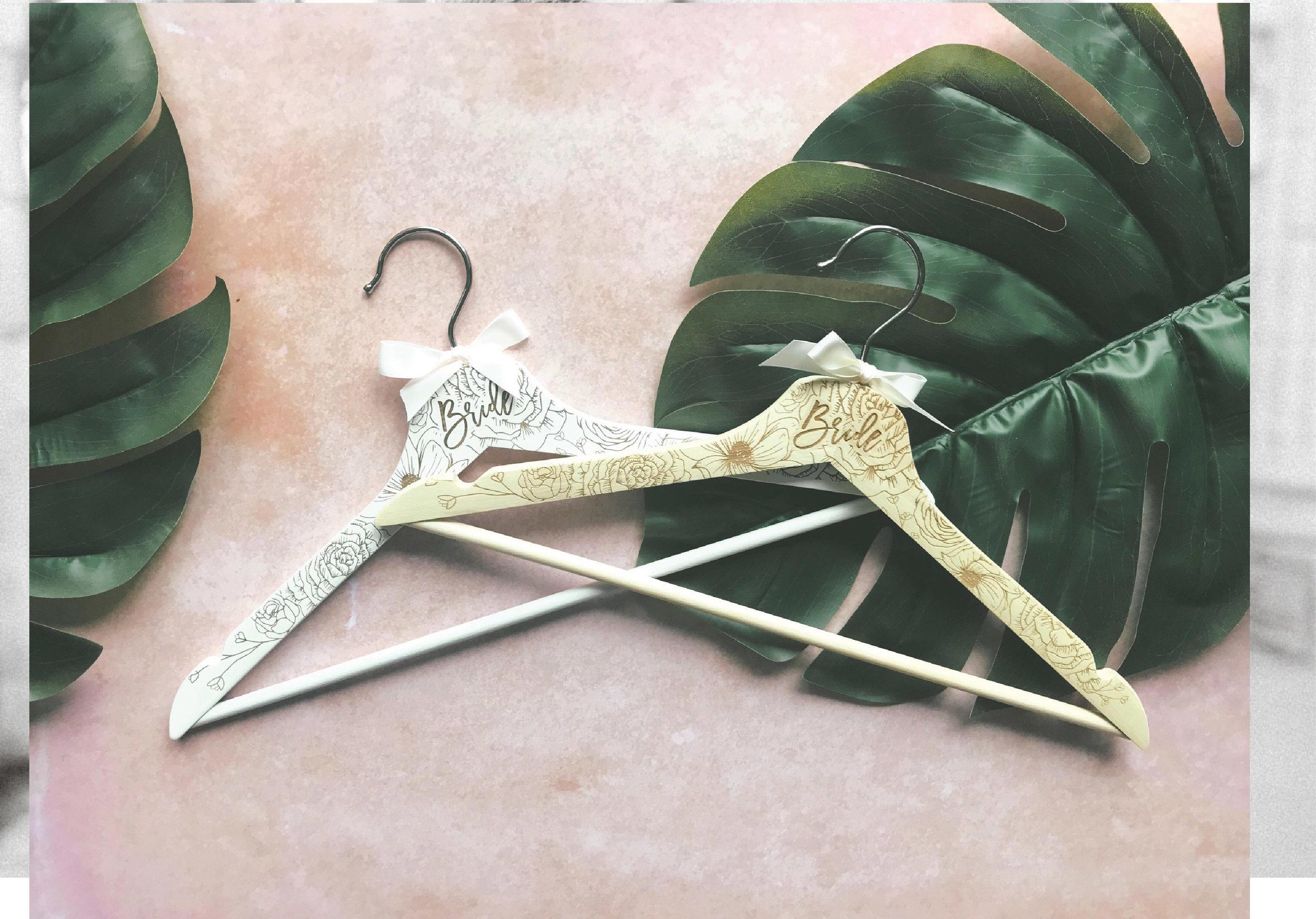 tayne-and-ashley-ooaks19-hangers.jpg