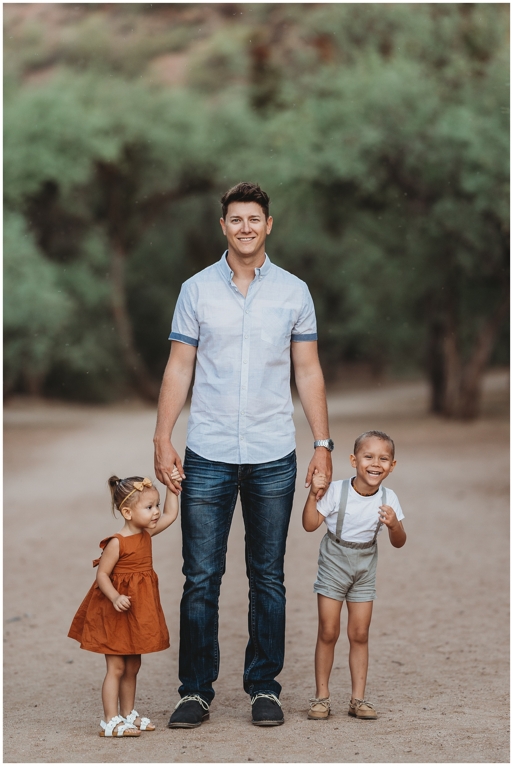 Coons Bluff Mesa Arizona Fall Family Photo
