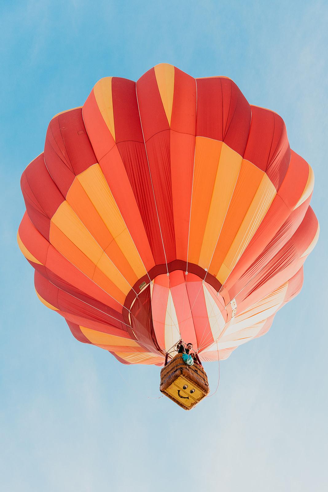 Hot air ballon engagement in the Las Vegas Desert