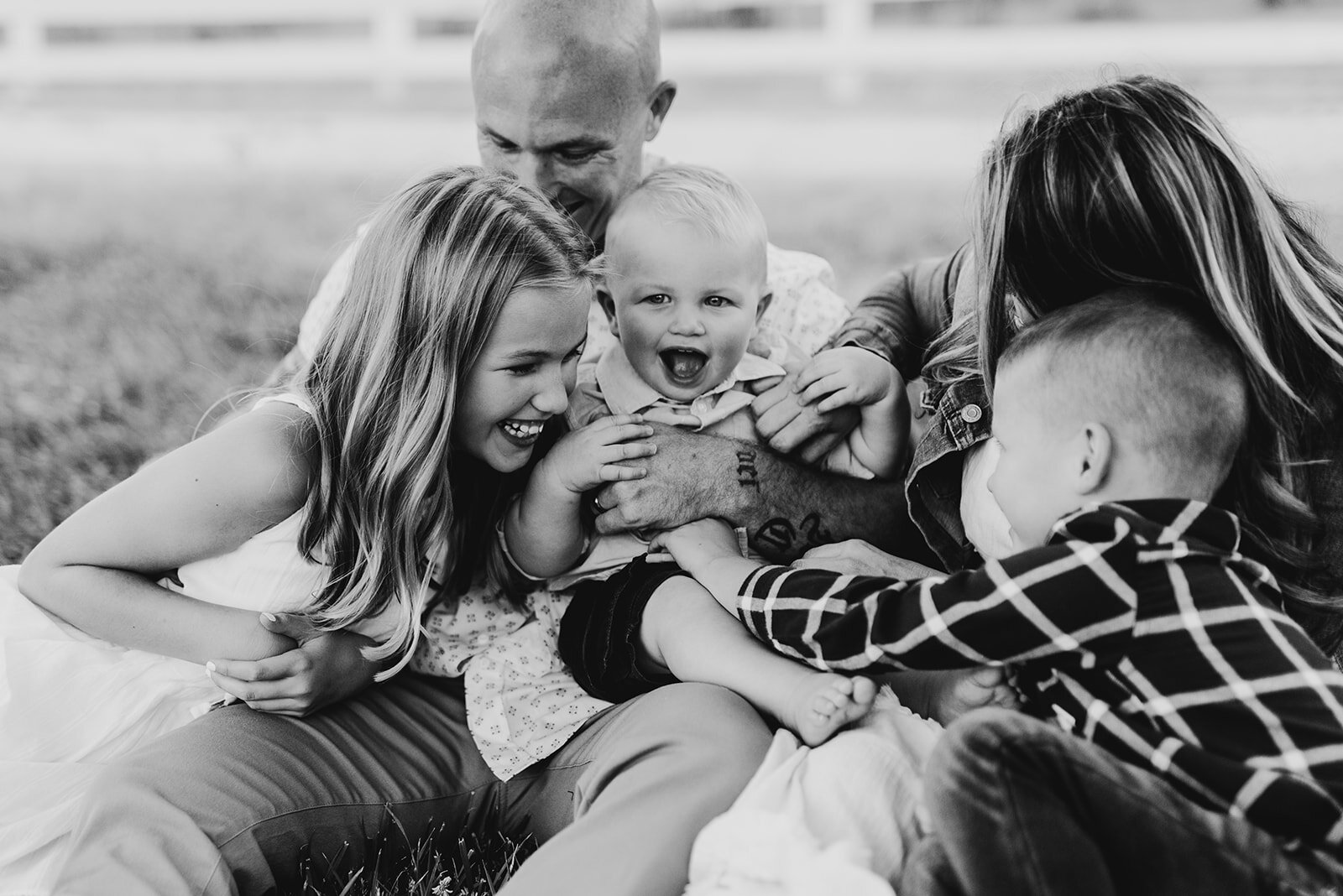 Family Shoot Black and White - Spring Mountain Ranch