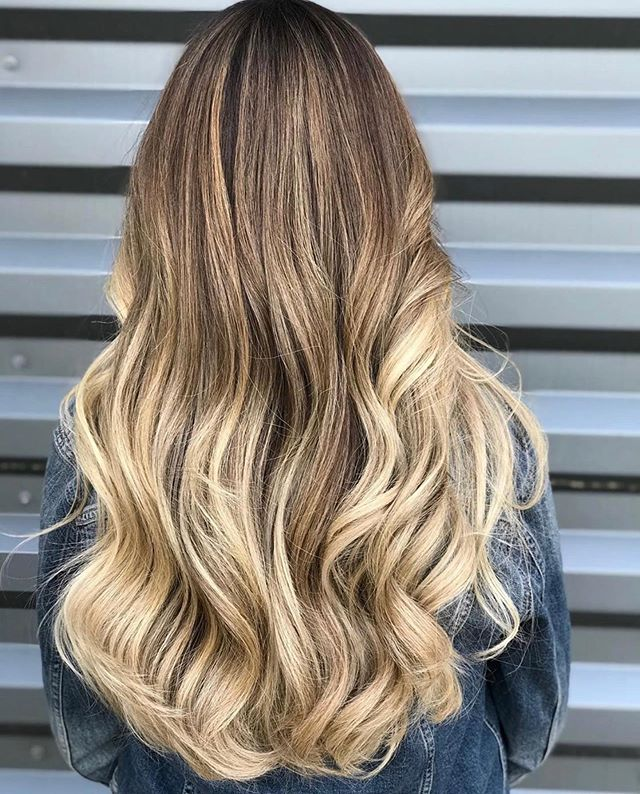 Is your hair summer ready? ☀️ By @mandieheier  Congrats to @jajajajoyia @bellacapraro @michelecapraro & @jbrennz on winning our May blow out contest!  Stay tuned for our next contest. Hint: smooth hair & shorter drying time 🥰 . . . #moxiebluesalon #moxiebabes #goldwell #goldwellapprovedus #randco #balayage #behindthechair #modernsalon #americansalon #mastersofbalayage #stylistssupportingstylists #oldcityphilly #hairgoals #blondebalayage #bohostyle #bohohair #hairbesties #phillybesthair #bestofphilly #phillystylist