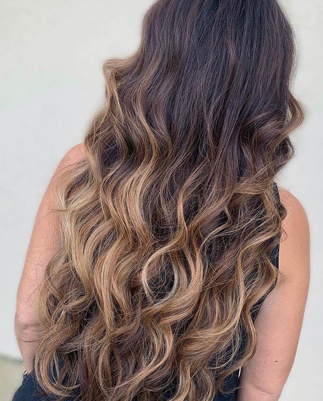 Retouch. Balayage. Melted Glaze. Bodywaves. 😍😍 by @hairbysheena_moxie . . . #moxiebabes #moxiebluesalon #balayage #goldwellapprovedus #goldwell #behindthechair #mastersofbalayage 😍#colormelt #bohohair #bangstyle #licensedtocreate #phillybesthair #bestofphilly #phillyhaircraft #modernsalon #sunkissedhair #hairgoals