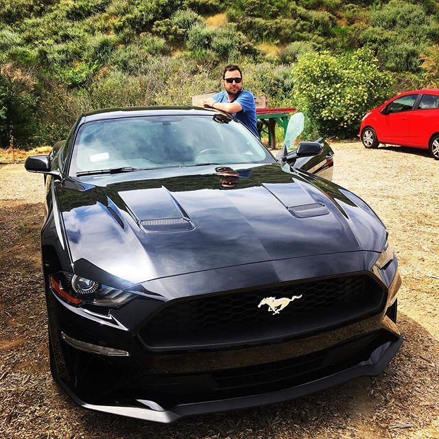 Picture car...#shooting #movie #film #mustang #losangeles #la #desert #santaclaritavalley #actor #actorslife #isaacgallego #pelotazo