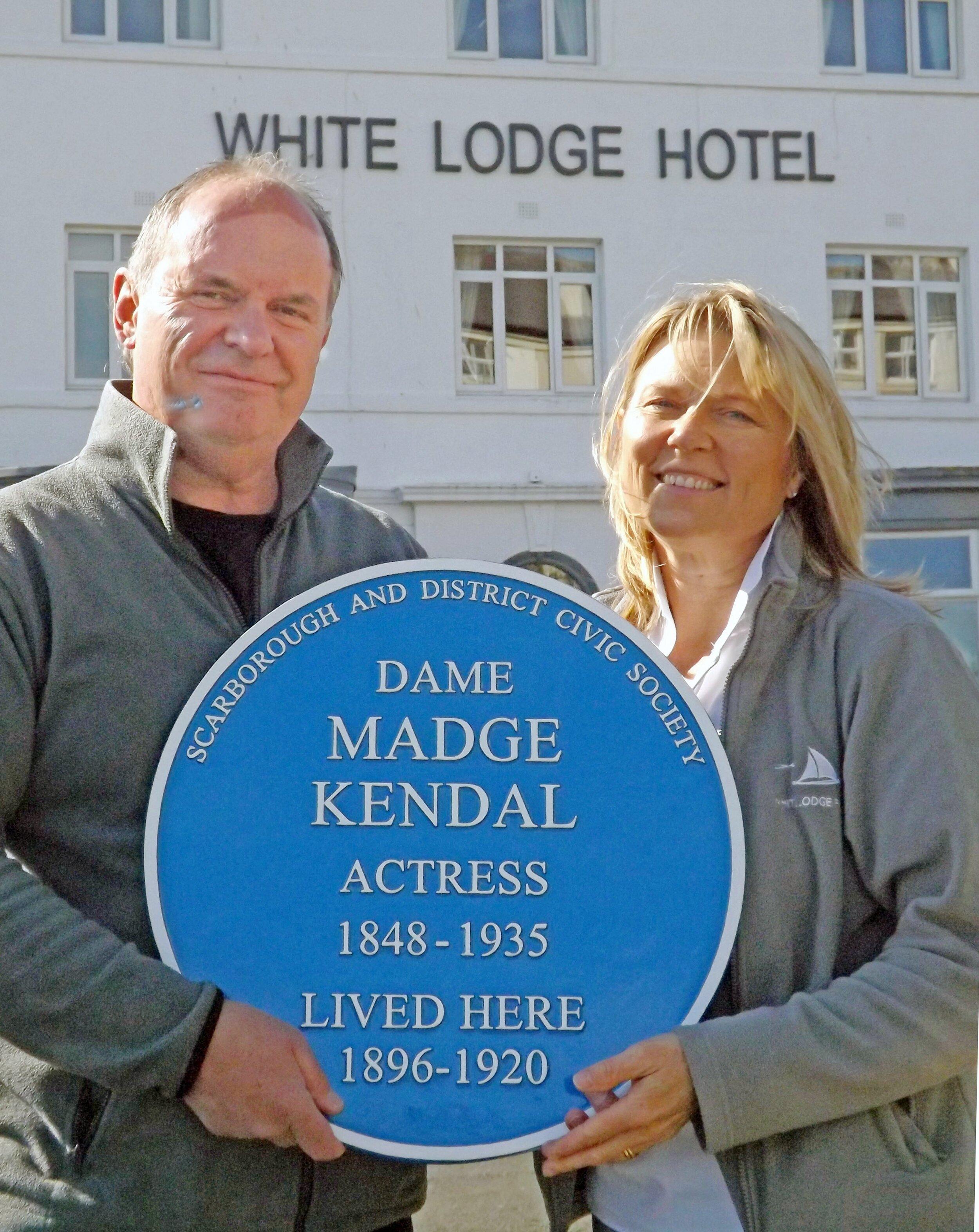 James and Kim Hodgson with the Dame Madge Kendal plaque.jpg