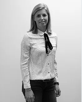 Margriet Kardinaal Tax Consultant   Margriet holds a bachelor's degree in Tax Law. She worked with Loyens & Loeff for two years before joining Tax at Work in 2017. She assists clients with their day-to-day tax affairs and is responsible for the tax compliance practice.  Margriet is currently also enrolled in the Master of Science in Fiscale economie.   E-mail:  kardinaal@taxatwork.com