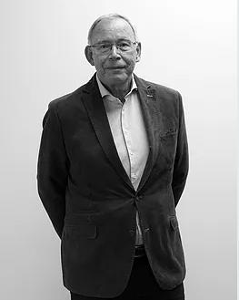 Wim van Barneveld Accountmanager Financial Services   Wim heeft jarenlange ervaring als accountant. Bij Tax at Work is Wim werkzaam in de administratieve dienstverlening. Hij verzorgt (complexe) aangiften Vennootschapsbelasting en stelt jaarrekeningen op.    E-mail:  barneveld@taxatwork.com