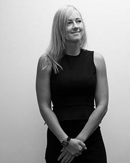 Marjolein van Kan –  Financial Account Manager   Marjolein heeft 8 jaar ervaring in de financiële dienstverlening met een focus op Dutch GAAP. Ze zorgt voor de administratieve dienstverlening en alles wat daarbij komt kijken en stelt jaarrekeningen op. Ze heeft een bachelor diploma Accountancy & Controlling behaald aan de Nijenrode Business Universiteit.  E-mail:  kan@taxatwork.com