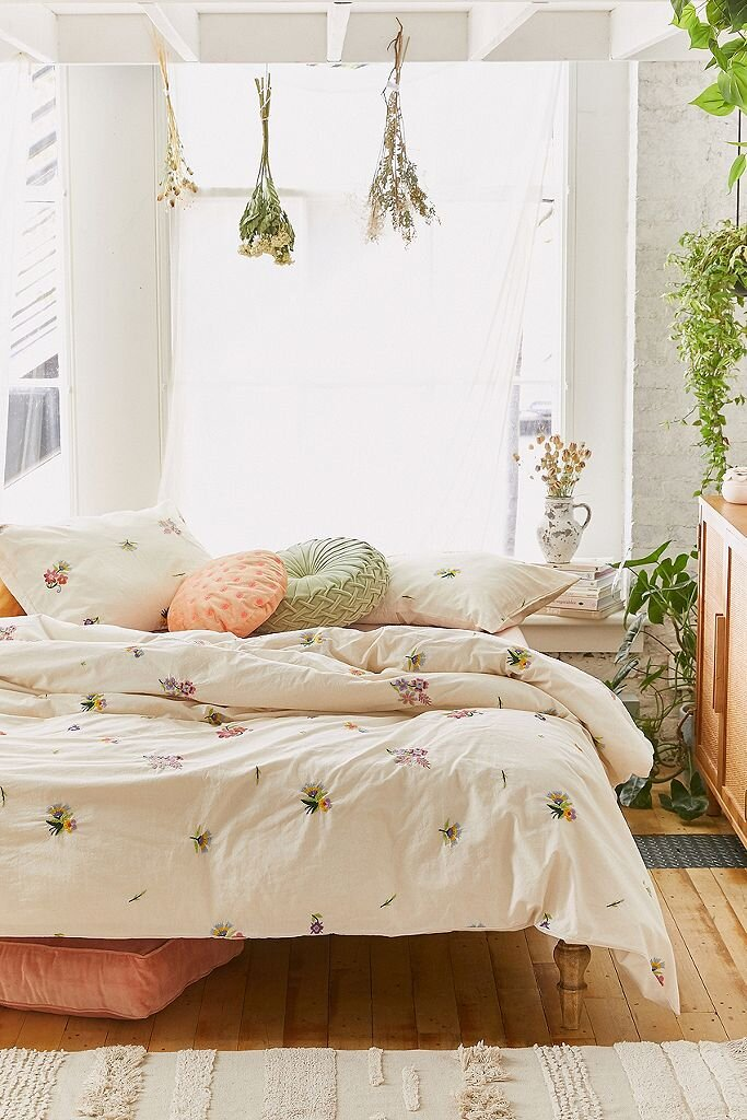 Picture of: The Best Bed Linen To Turn Your Room Into A Chic Sanctuary Hood Magazine