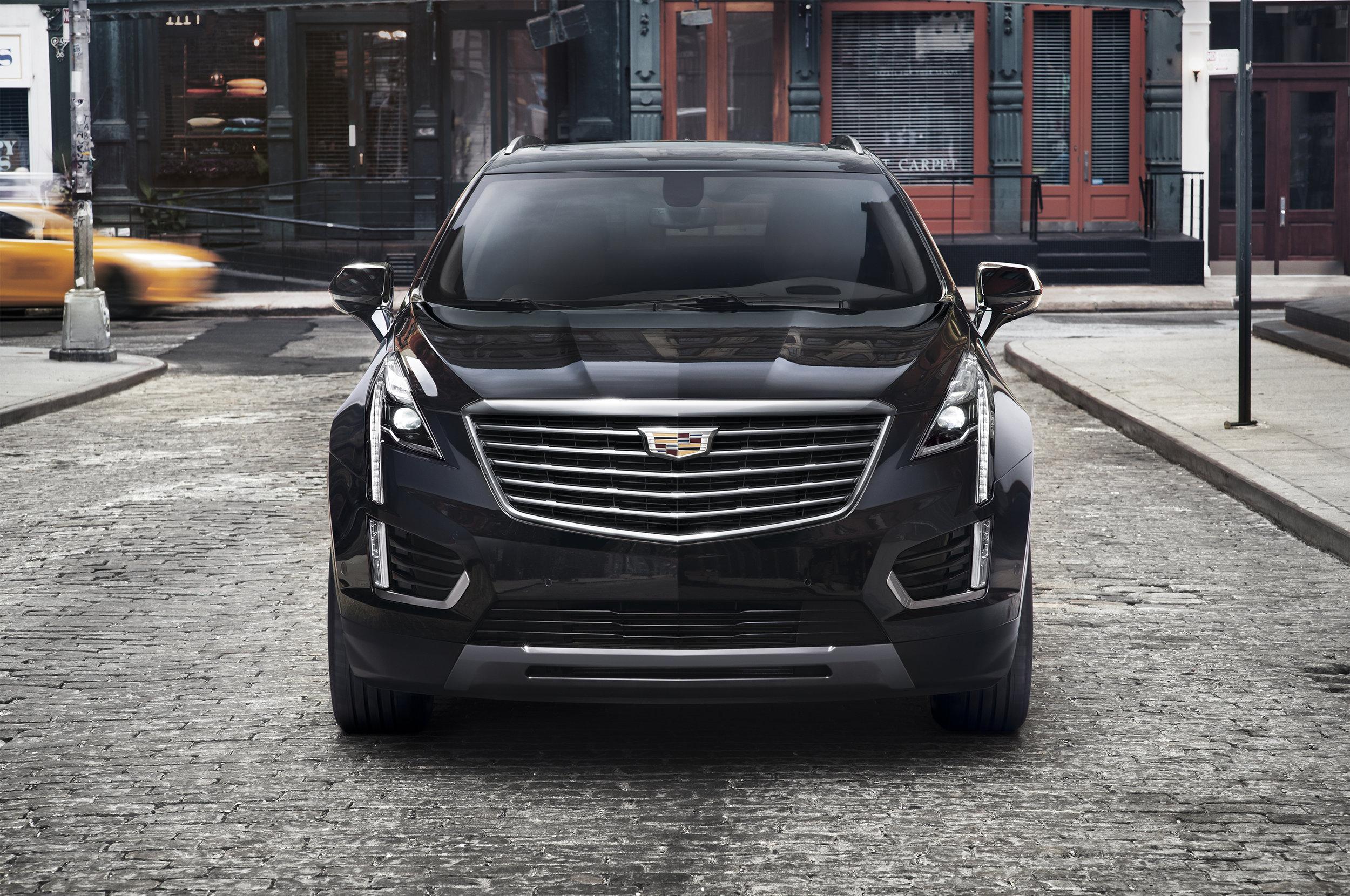 2017-Cadillac-XT5-002.jpg