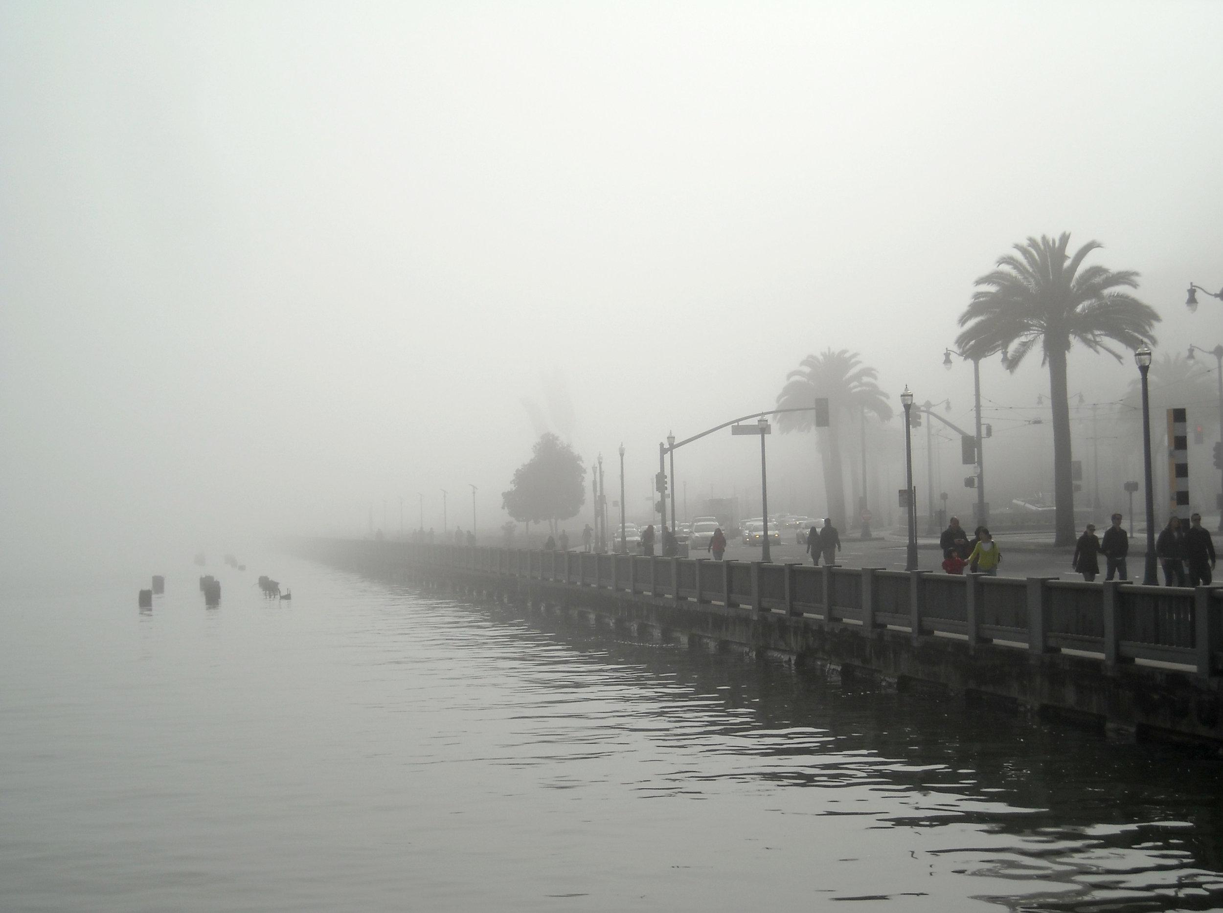 Foggy_Day_in_San_Francisco_(4425995559).jpg