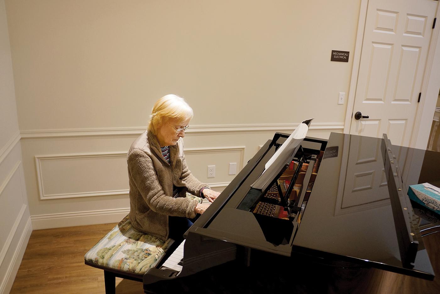 pianoplayer.jpg