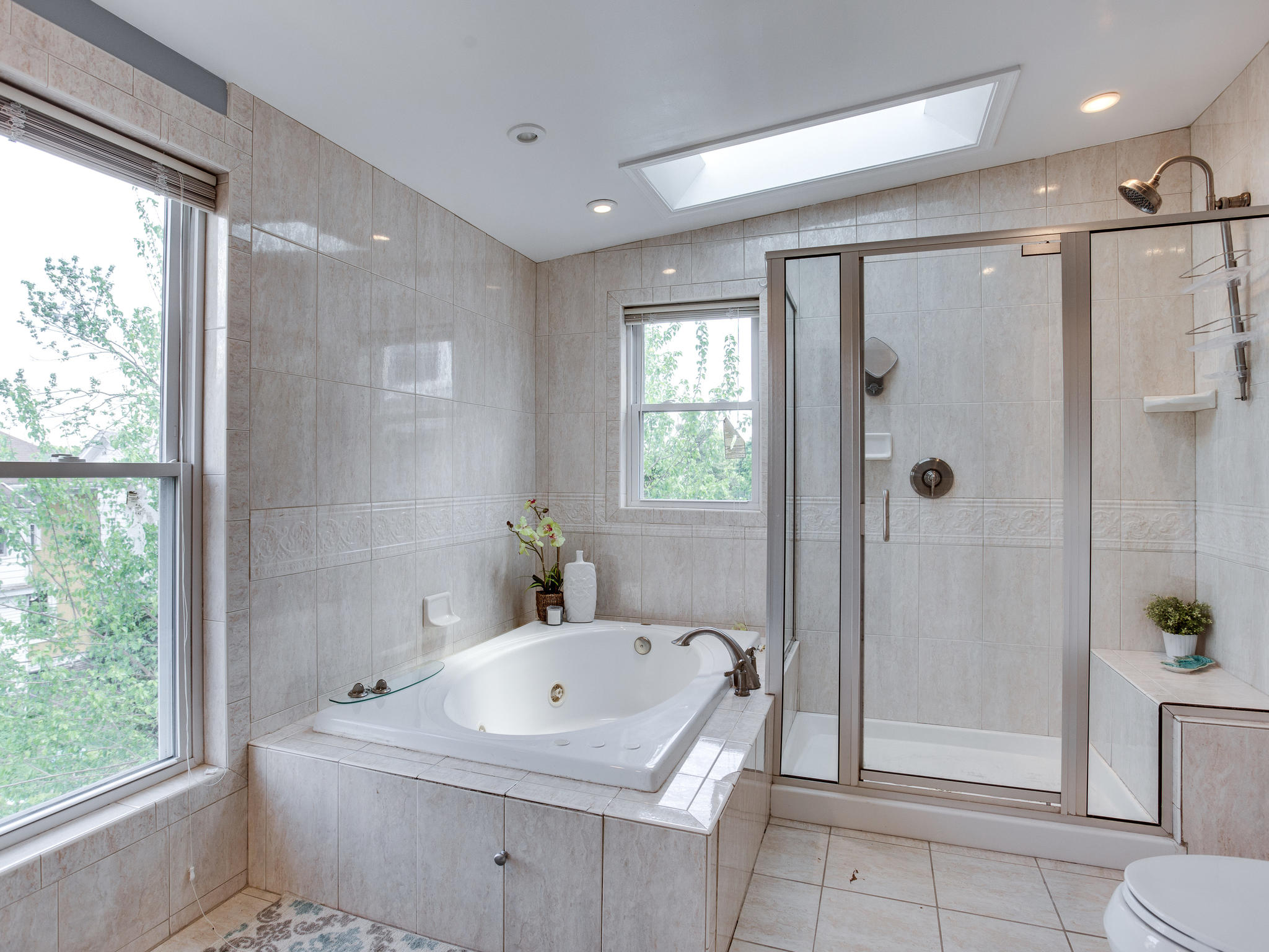 1317 Delafield Pl NW-MLS_Size-042-43-Master Bath-2048x1536-72dpi.jpg