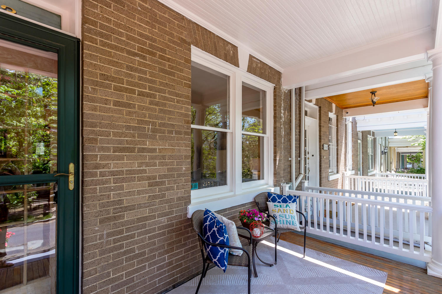 3143 19th St NW Washington DC-large-010-48-Front Porch-1500x1000-72dpi.jpg