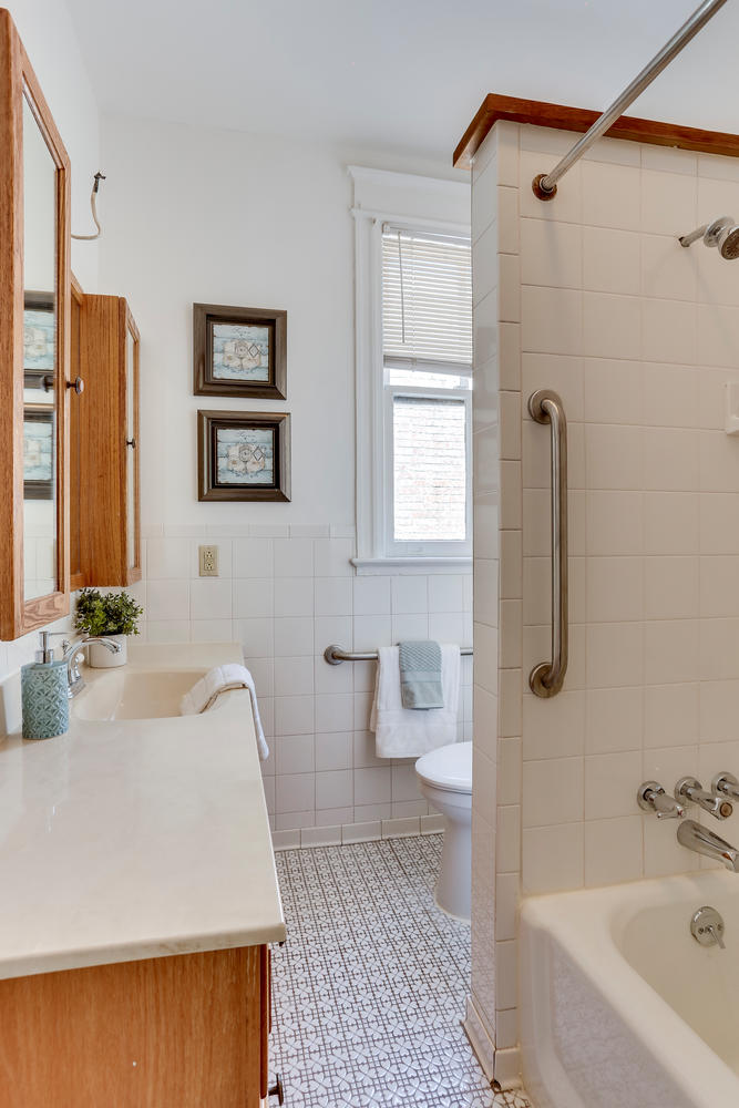 3143 19th St NW Washington DC-large-046-15-Bathroom-667x1000-72dpi.jpg
