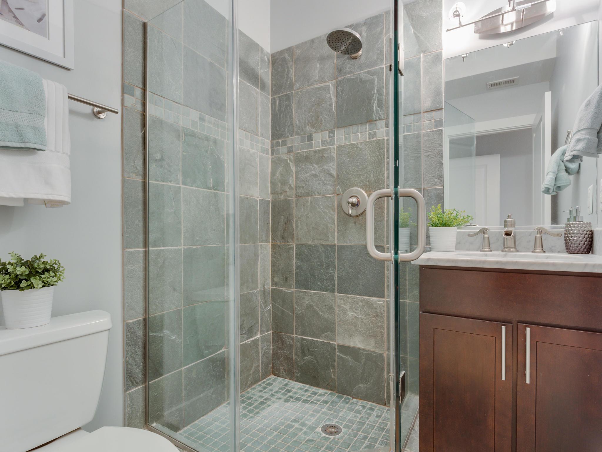 3546 13th St NW Washington DC-MLS_Size-016-17-Bathroom 1-2048x1536-72dpi.jpg