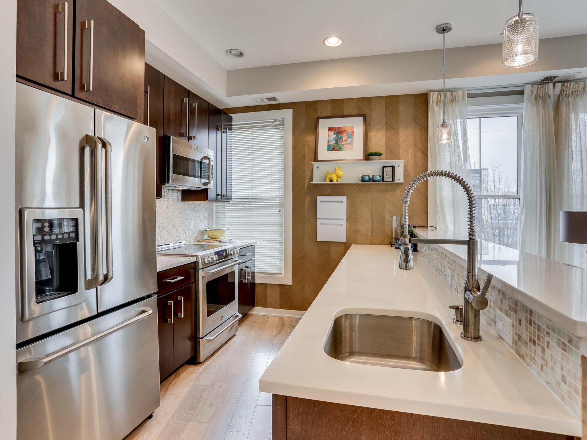 1421 Florida Ave NW 7-MLS_Size-009-30-Kitchen-2048x1536-72dpi.jpg