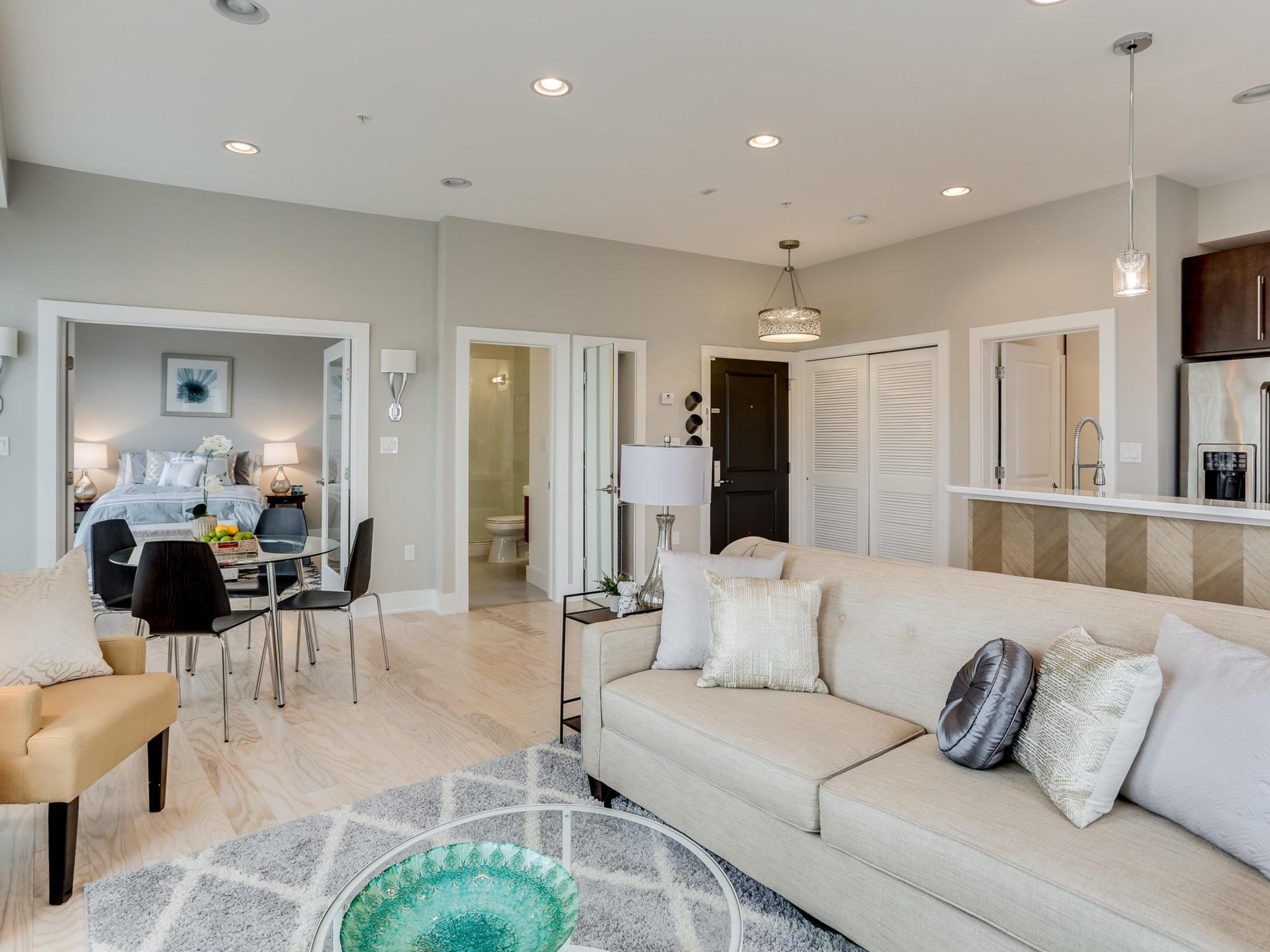 1421 Florida Ave NW 7-MLS_Size-015-19-Living Room-2048x1536-72dpi.jpg