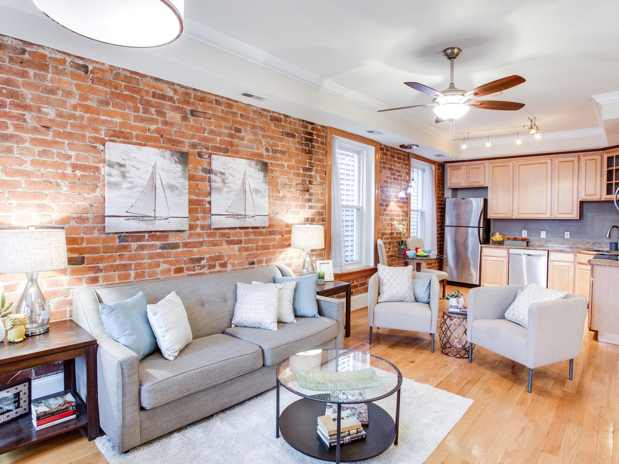 3475 Holmead Pl NW Unit 2-MLS_Size-009-36-Living Room-2048x1536-72dpi.jpg