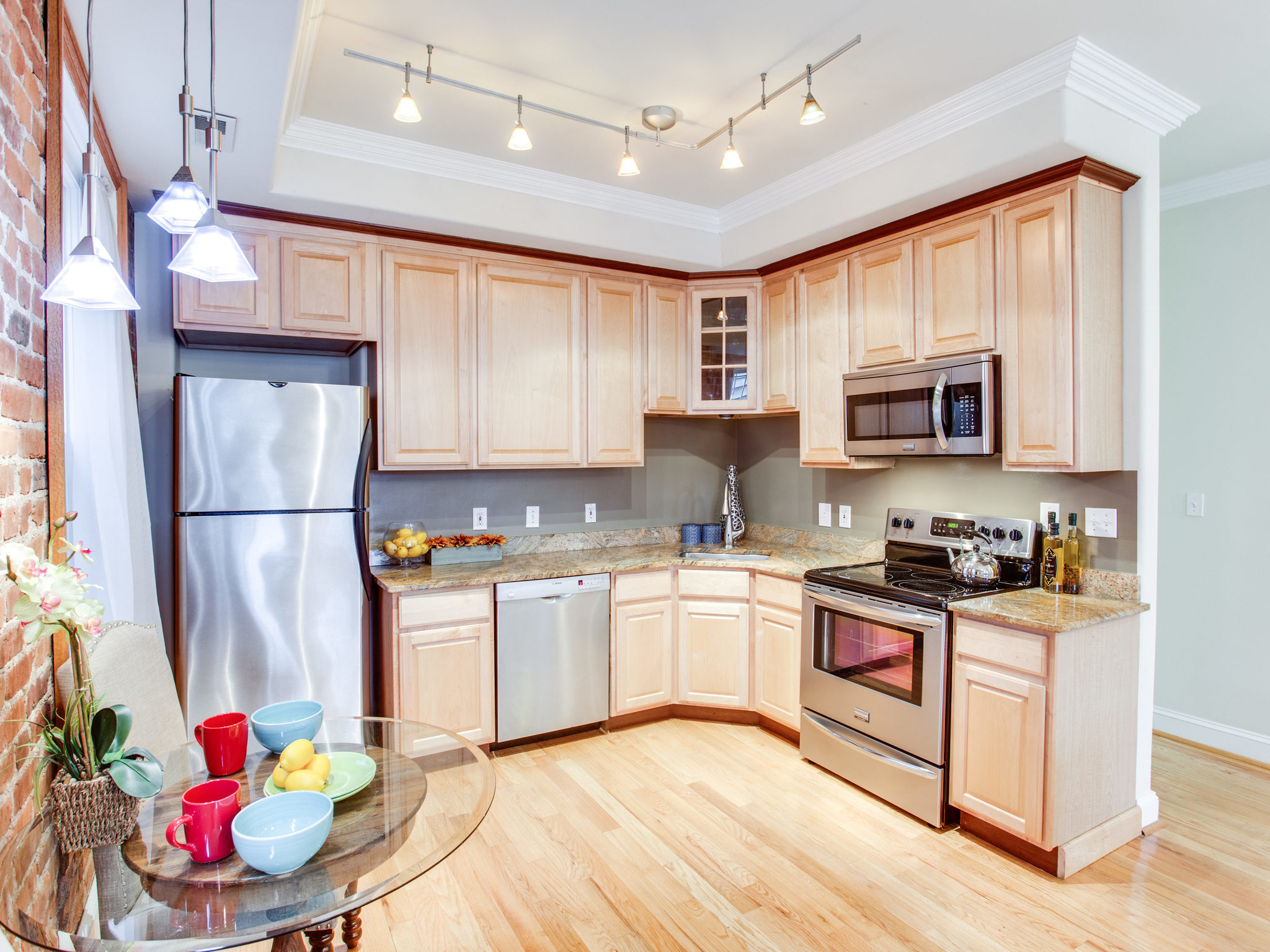 3475 Holmead Pl NW Unit 2-MLS_Size-028-35-Kitchen-2048x1536-72dpi.jpg