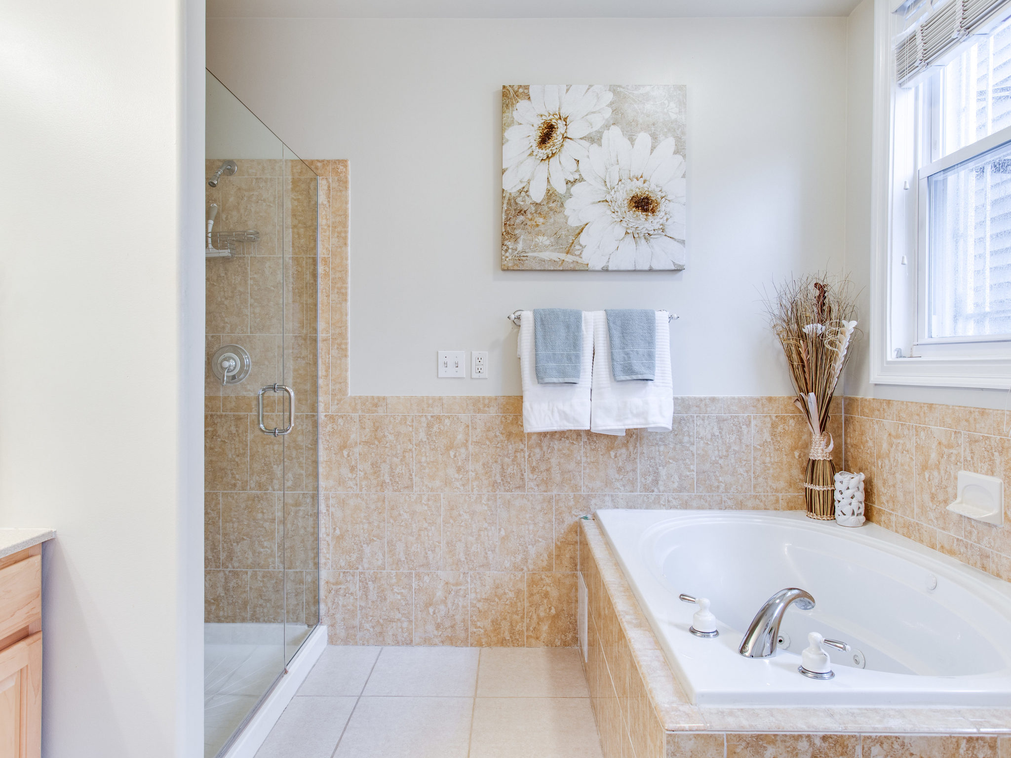 3475 Holmead Pl NW Unit 2-MLS_Size-040-40-Master Bath-2048x1536-72dpi.jpg