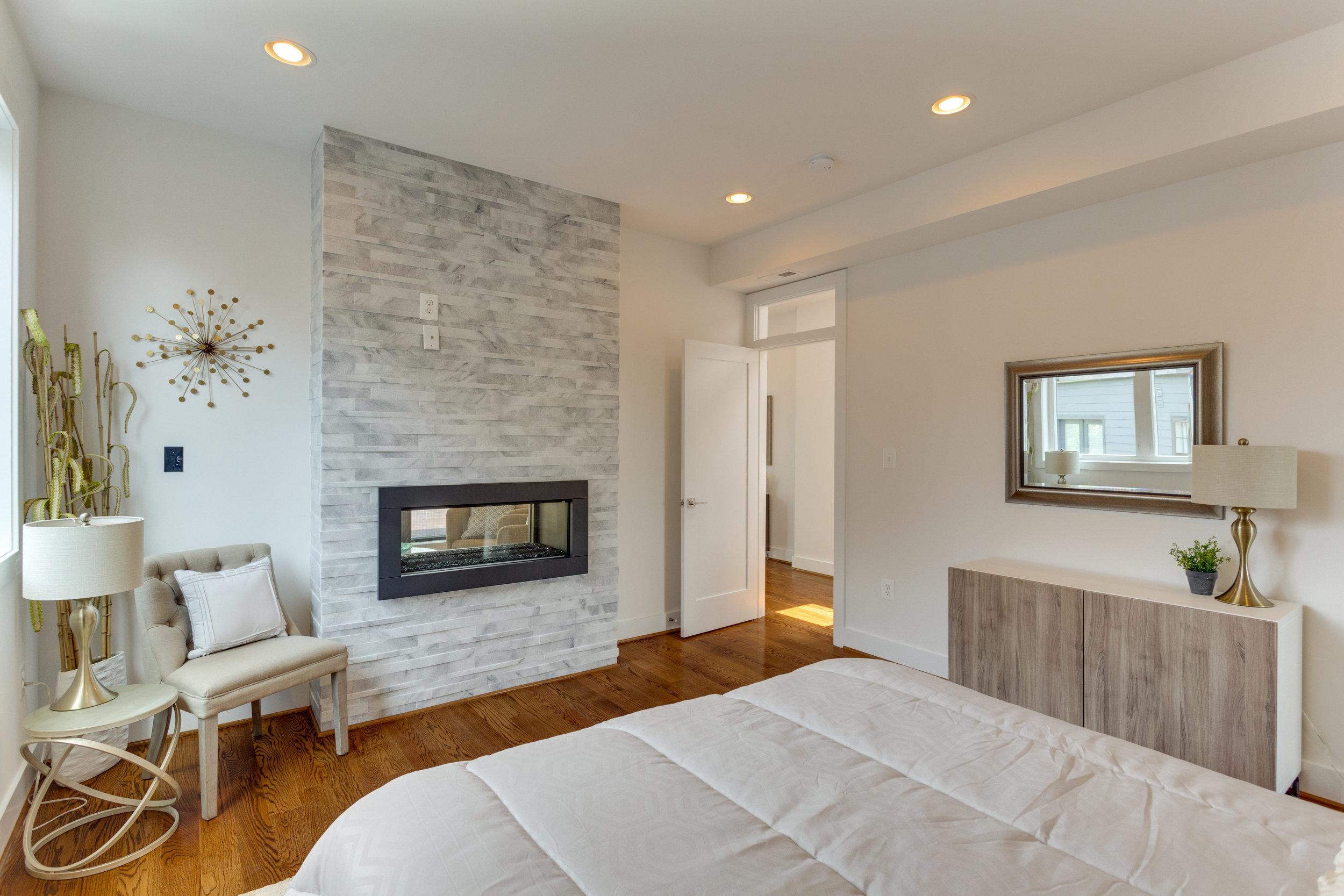 15 Grant Cir NW Unit 3-print-036-12-Bedroom-4200x2800-300dpi.jpg