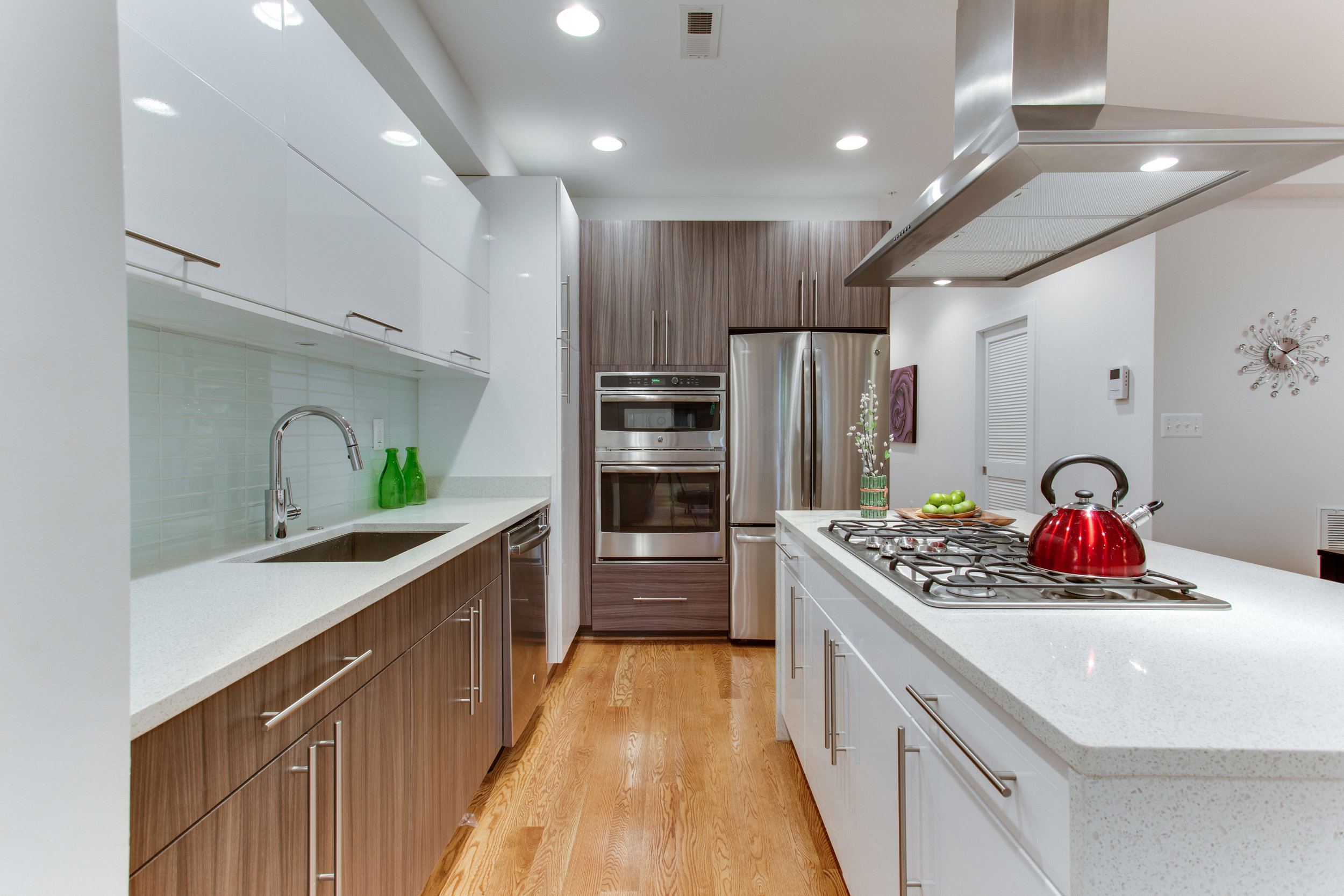 4511 Iowa Ave NW Unit 1-print-020-19-Kitchen-4200x2800-300dpi.jpg