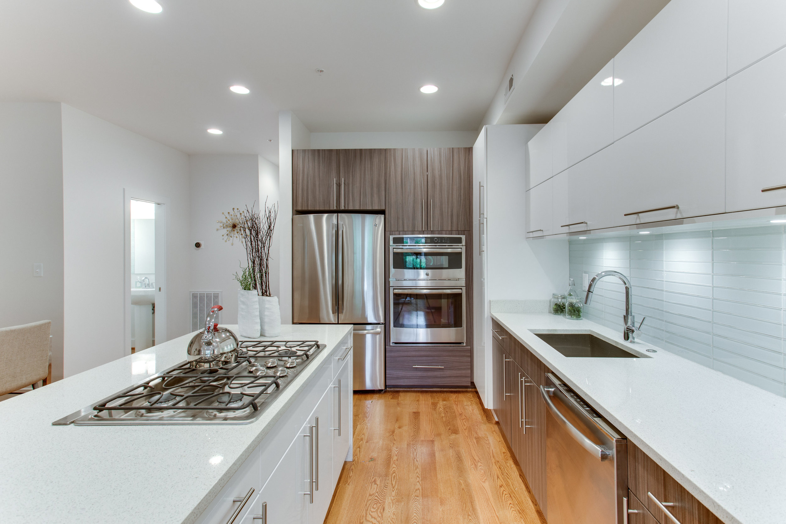 4511 Iowa Ave NW Unit 2-print-020-14-Kitchen-4200x2800-300dpi.jpg
