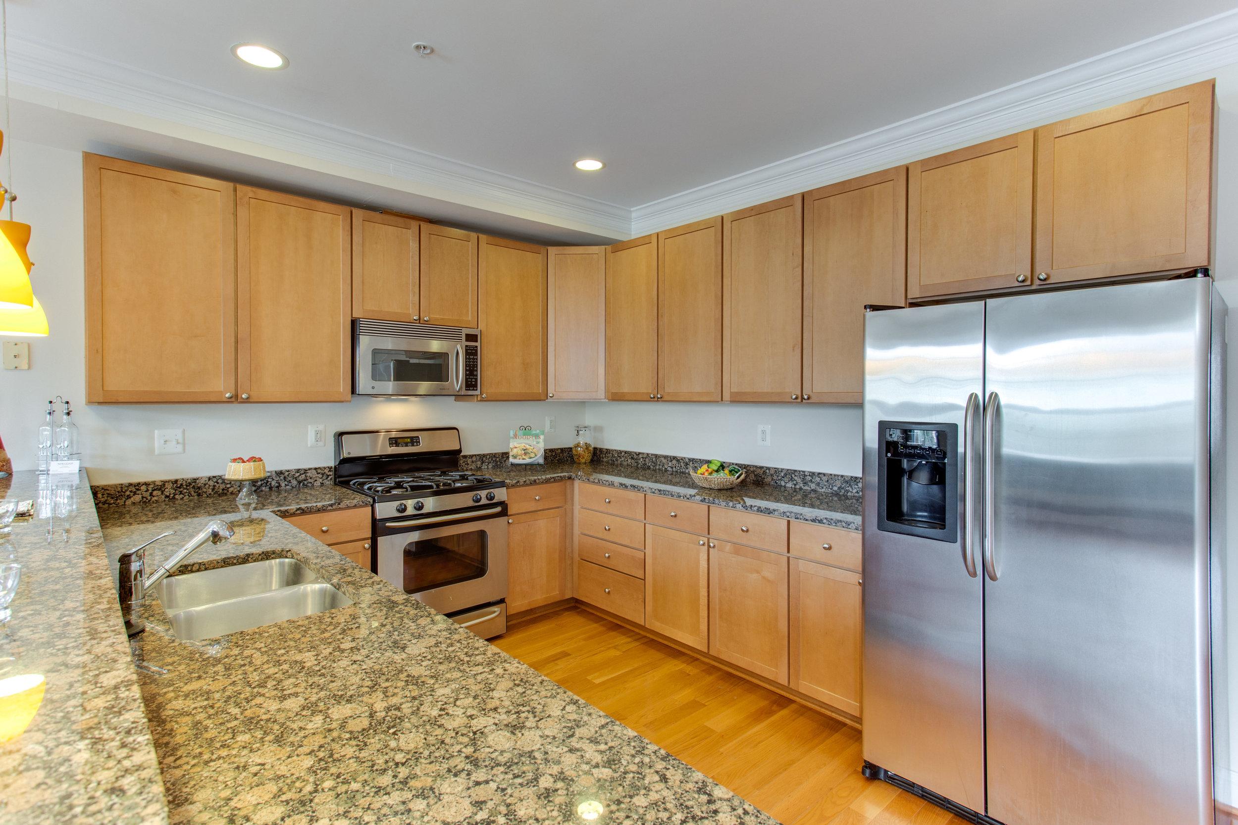 5522 9th St NW Unit 1-print-023-19-Kitchen-4200x2800-300dpi.jpg
