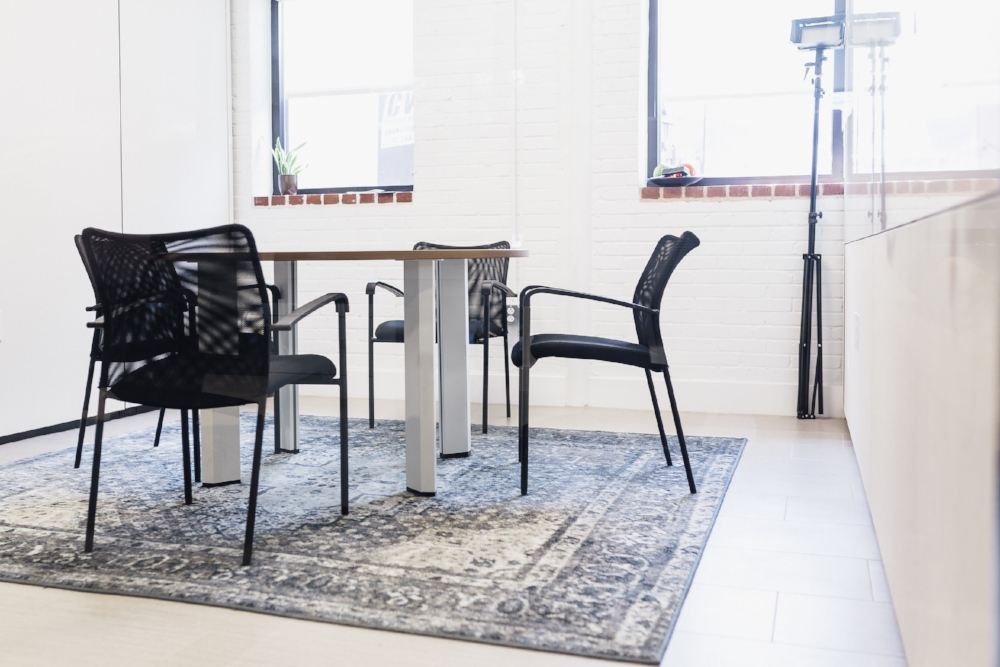 Small Meeting Rooms - Our small meeting rooms seat up to 4-6 people, and are rented per hour at the rate of $35/hr for non-members or $25/hr for non-profits. Meeting rooms are included in monthly memberships.